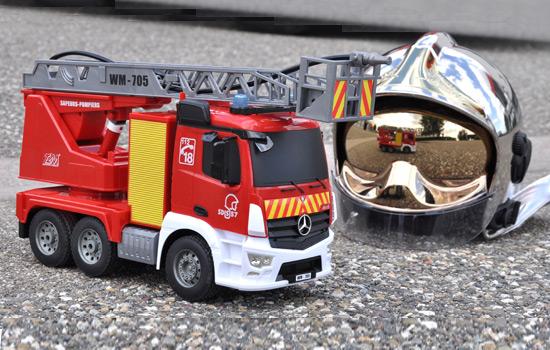t2m modelisme engin de chantier t2m camion de pompiers rc. Black Bedroom Furniture Sets. Home Design Ideas